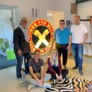 Gruppenfoto mit Frederic Kobusch, dem New Business-Team und Samantha Büse